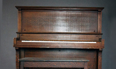 upright piano weight1 Specialist Piano Movers: How Many People Does it Take to Move a Piano?