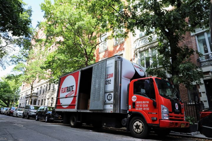 FR truck Can Movers Unpack for You?